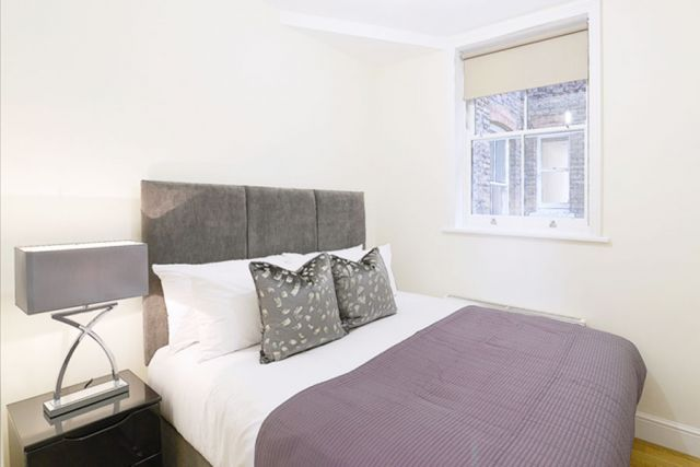 A marvellous 3 bedroom, 2 bathroom flat with parking 4 Image