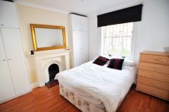 En-suite double room available now, no deposit required