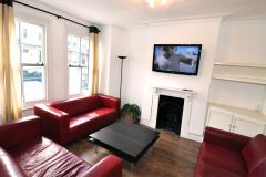 A Spacious Double Room In W6 Available Now, No D