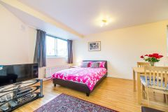 Spacious self contained double studio flat