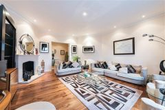 Spacious 4 Bedroom Apartment Next To Hyde Park