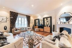 Spacious 4 bedroom apartment overlooking Hyde Park