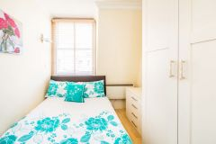 Bright and modern one bedroom apartment in Green Park