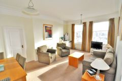 A splendid one bedroom apartment in Kensington W8