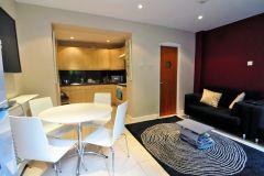 A delightful room, bills included, 2 weeks deposit only