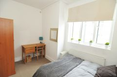 A Contemporary Double Room, No Deposit, Bills In