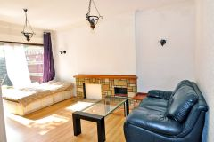 A well light spacious double room