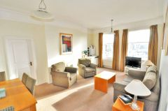 A beautiful one bedroom apartment in W8