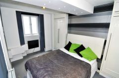 A contemporary double room, NO DEPOSIT, BILLS INCLUDED