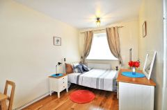 A Bright And Cosy Double Bedroom, Free Wifi, Bil