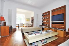 A luxurious two double bedroom two bathroom maisonette