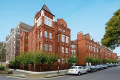 A fully refurbished one bedroom apartment