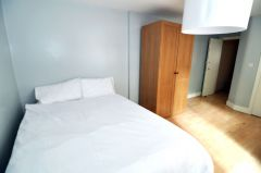 A Generously Sized Double Room In 2 Bedroom Flat