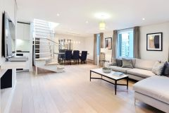 4 bedroom, 3 bathroom penthouse in Central London
