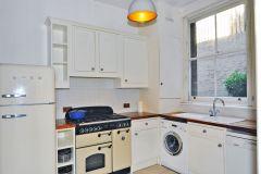 A Superb 3 Bedroom Apartment With A Fantastic Ga