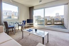 SHORT OR LONG LET - Stunning 1 double bedroom apartment