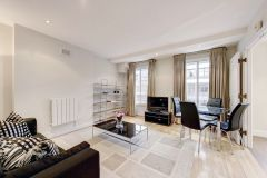 Spacious Flat With Balcony For Short Or Long Let