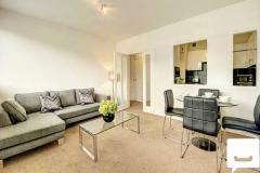 Beautiful One Double Bedroom Flat In Central Lon