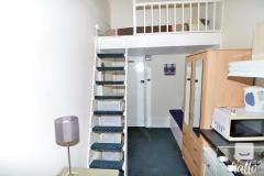 A nice, mezzanine bedsit room in Kensington W8, ZONE 1