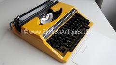 Silver Reed Silverette Vintage Manual Typewriter, New Ribbon, Case, Stylish