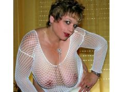 SEXY FILTHY HOUSEWIFE WAITING LIVE 121 PHONE SEX CHAT
