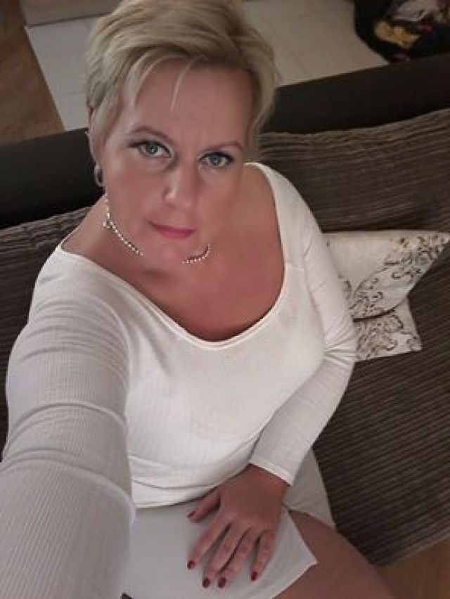 dating 50 sport massage stockholm