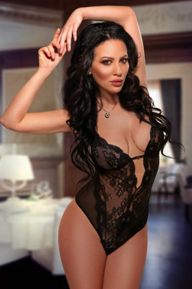amara girl sexy nacked