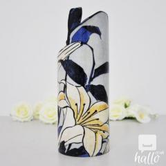 Silhouette DArt Vase Hokusai Lilies