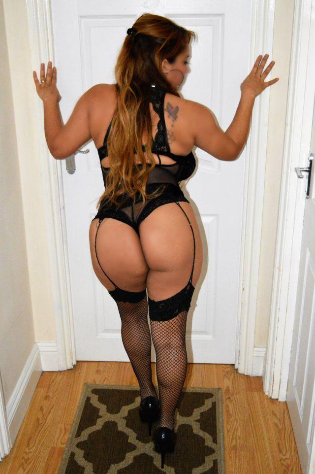 horny girl numero escort girl