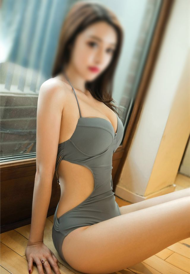 Meet Hot Japanese Escorts in Central London