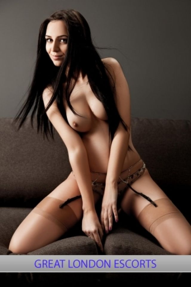 young escort locanto casual encounters