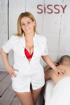 BLONDE PROFESSIONAL EROTIC MASSEUSES IN MANCHESTER