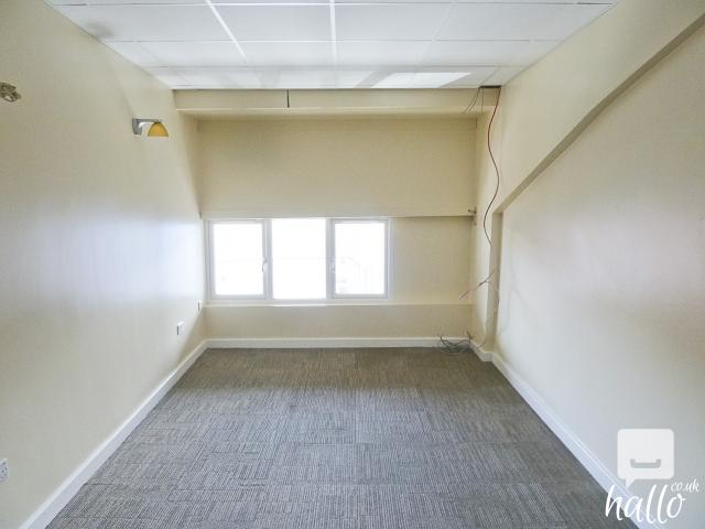 Refurbished office studio space available in E17 London 3 Image