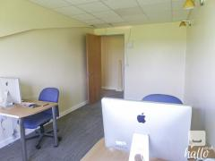 Refurbished office studio space available in E17 London