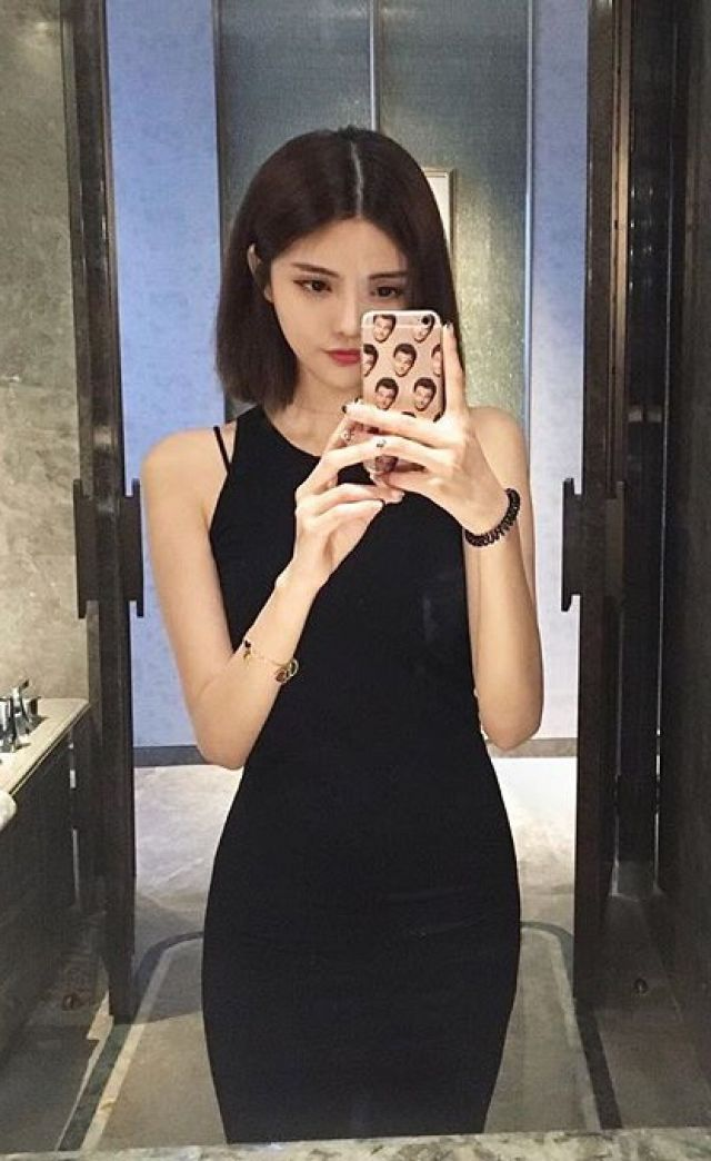 brownhair escort independent singapore