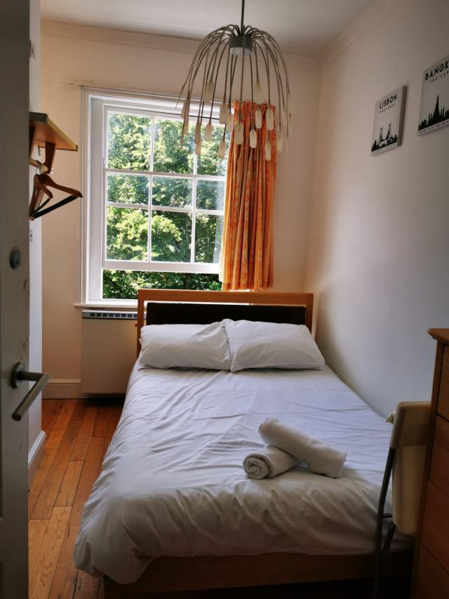 Room to rent in Central london in Hotel Paddington 7 Image