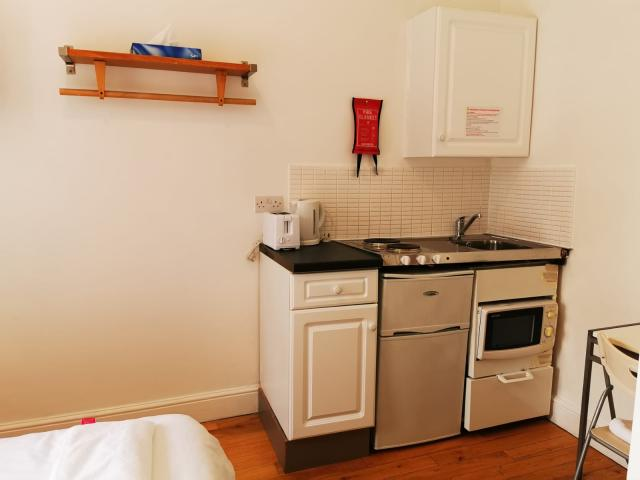 Room to rent in Central london in Hotel Paddington 6 Image