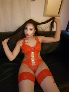 LATINO PARTY GIRL Full Service London WOODFORD