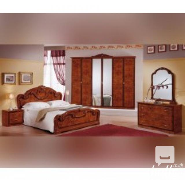 Gioia Walnut Finish Italian Bedroom Set 03 In East Ham