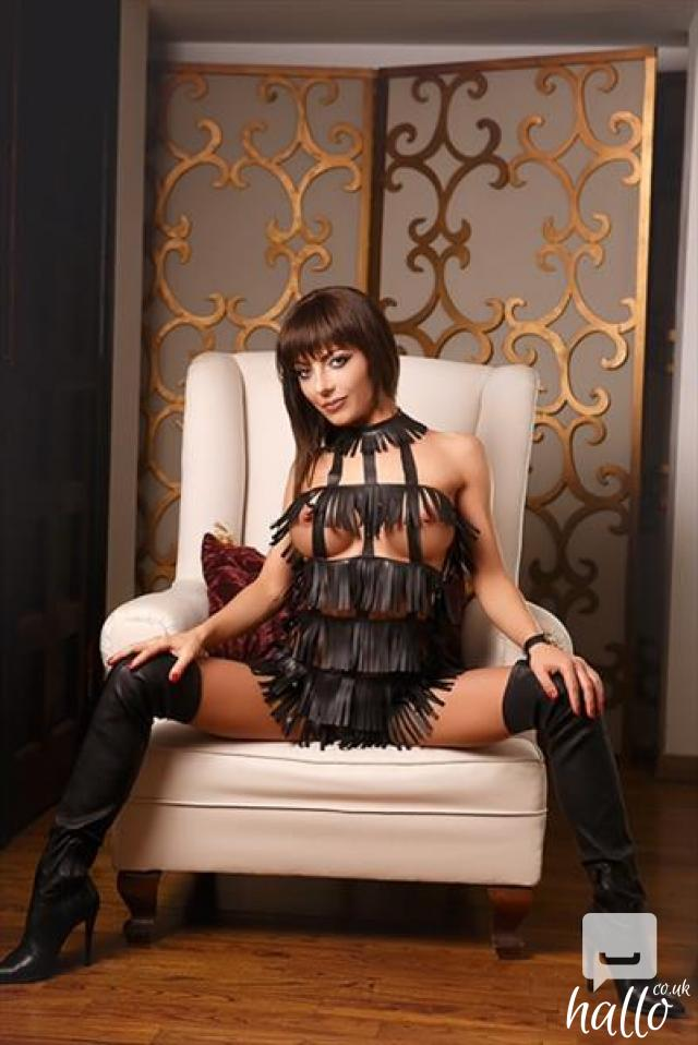 Croydon escorts enjoy your stay by hiring a sexy girl