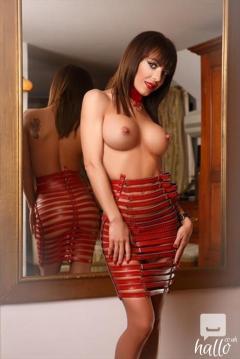 The superhot London escort girl can give u the best GFE