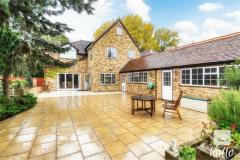 5 bedroom Detached House for sale in Cherry Tree Lane