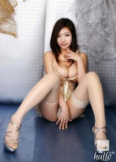 Mature Asian babe knows how to ride you