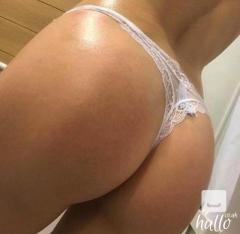 Asian masseuse waiting for fuck of her life