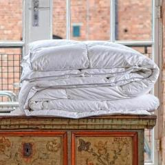 Find Supreme Quality Hungarian Down Duvet at Best Price