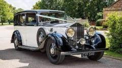 For Hiring Wedding Cars In Buckinghamshire Conta