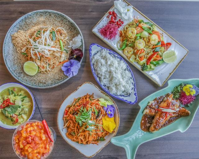 Toomai Square- Food Delivery Restaurant in London 7 Image